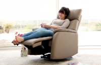 Derwent Electric Swivell Recliner