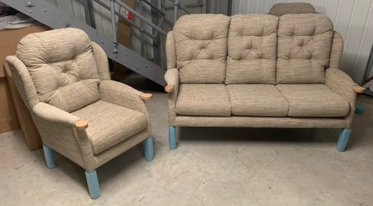 Cintique Eton Wing 3Str Sofa & Wing Chair